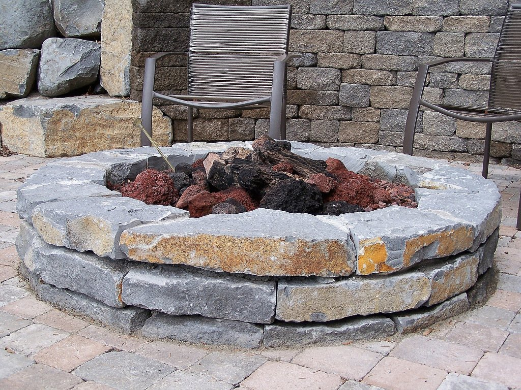 Natural-Stone-Fire-Pit.jpg