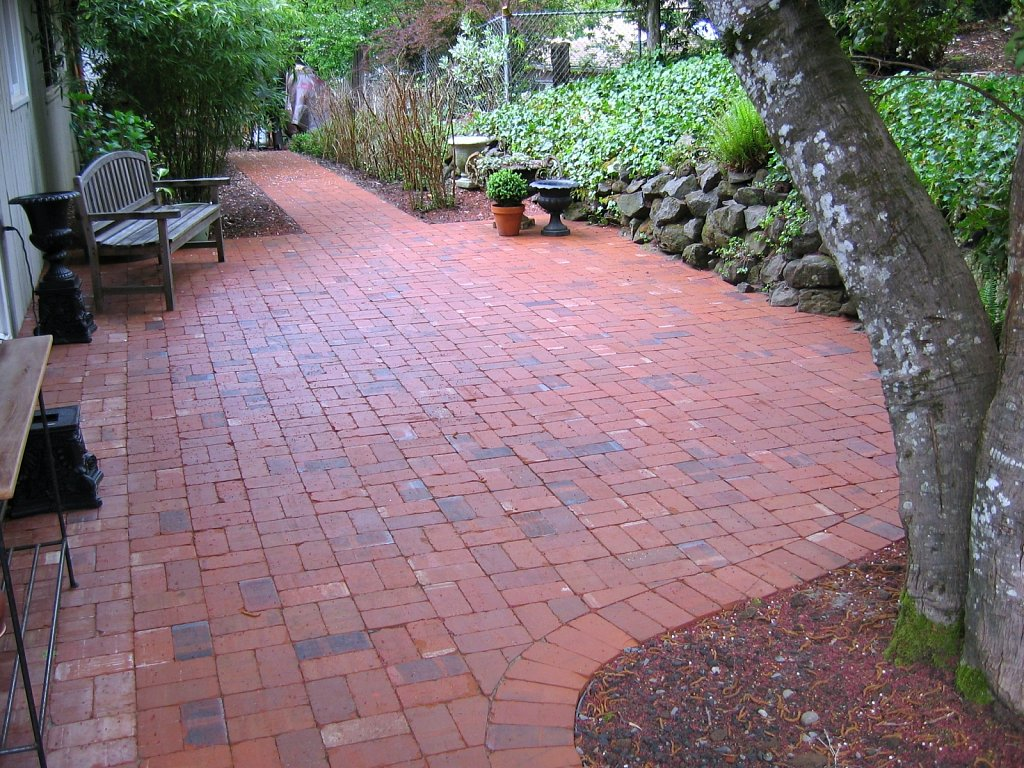 Clay-Paver-Patio.jpg