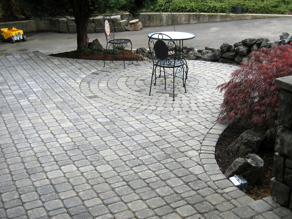 Old-Dominion-Paver-Patio.jpg